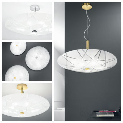 pseudo-44 Handgeschliffenes Glas, geometrische Formen und puristisches Design: Perfektes Deckenlicht für klassische und moderne Interiors.